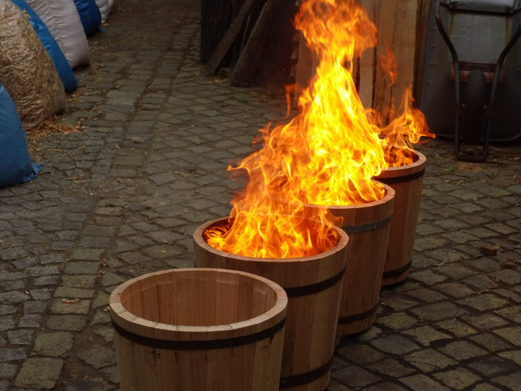 Holzpflanzkübel - Pflanzkübel Holz -  ausbrennen