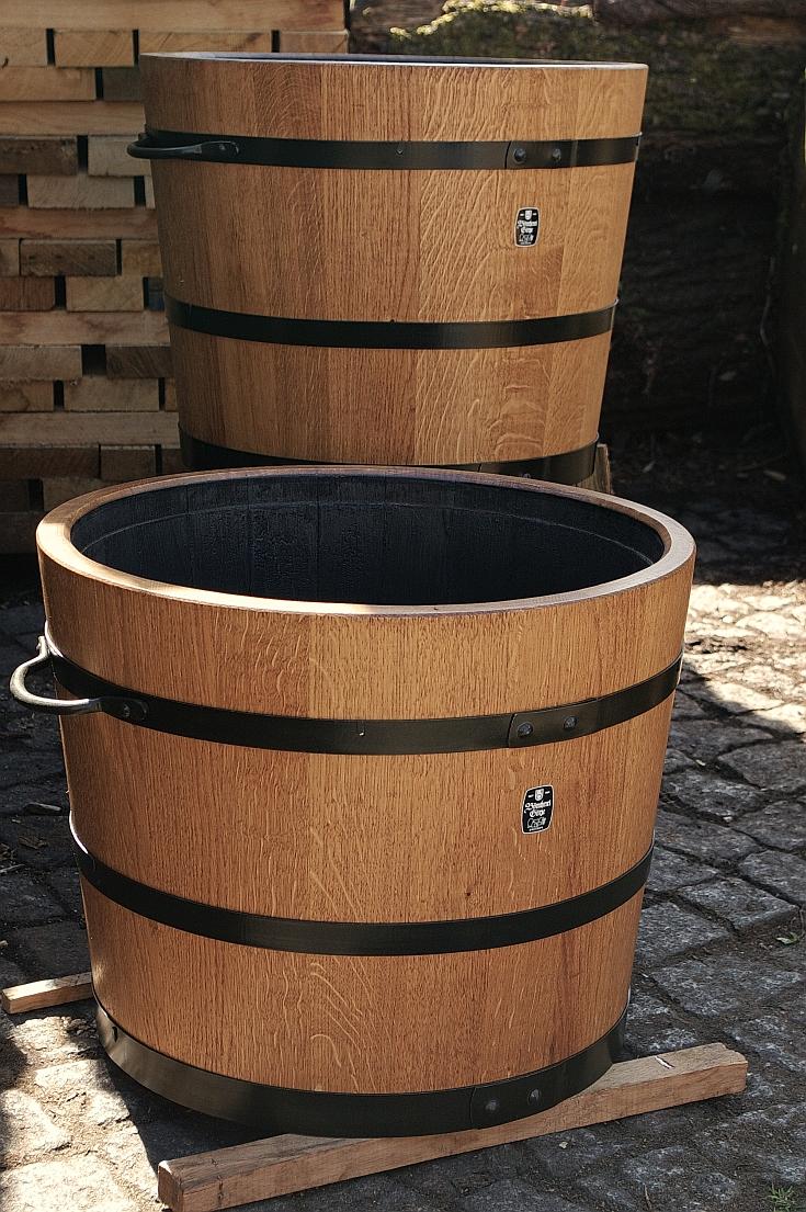Holzpflanzkübel - Pflanzkübel Holz - schwarze Reifen