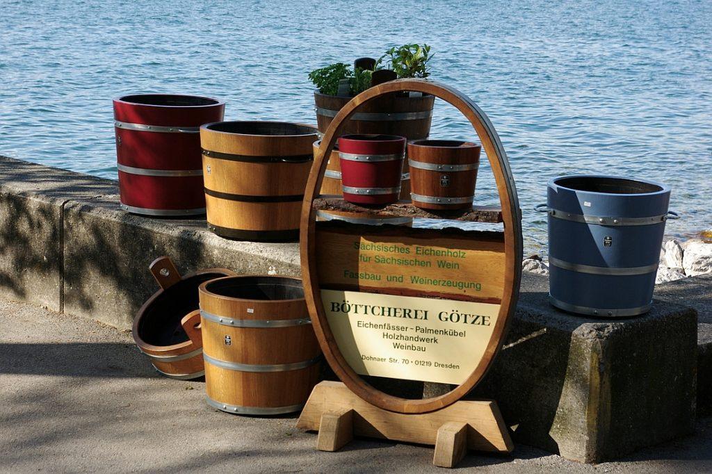 Holzpflanzkübel - Pflanzkübel Holz - Marktpräsentation