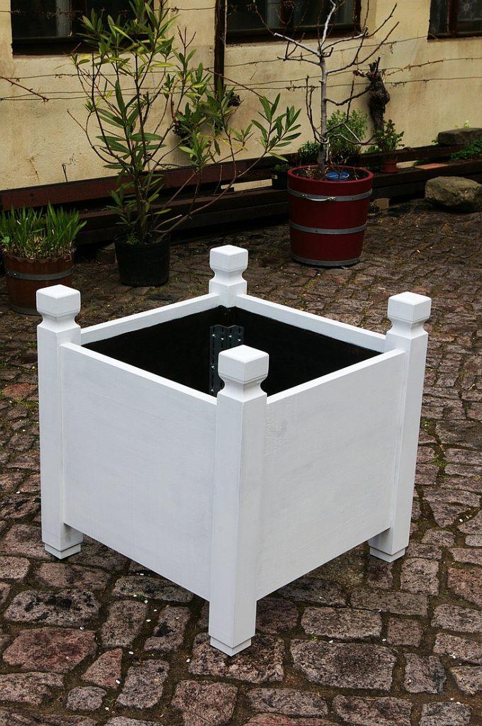 Holzpflanzkübel - Pflanzkübel Holz - Säulenkübel